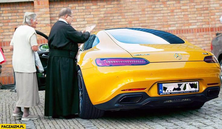 Rydzyk z Mercedesem AMG GTS przeróbka