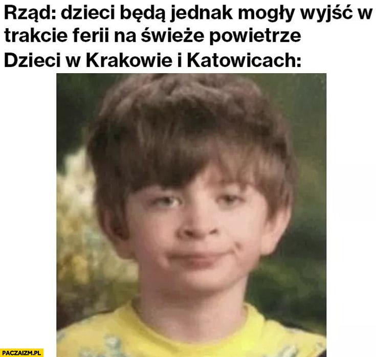 Rząd: dzieci będą jednak mogły wyjść w trakcie ferii na świeże powietrze, dzieci w Krakowie i Katowicach zniesmaczone