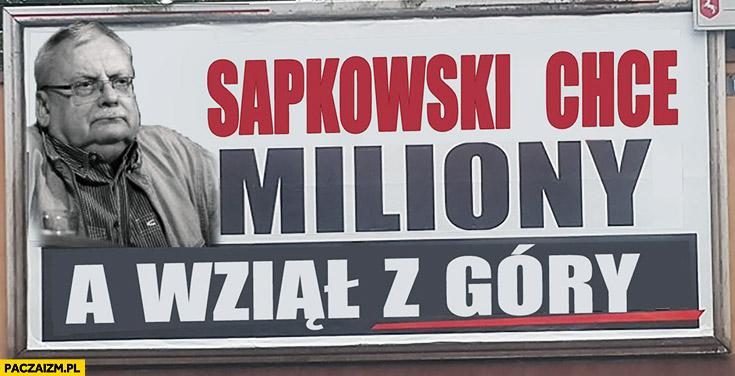Sapkowski chce miliony a wziął z góry billboard reklama PiS przeróbka