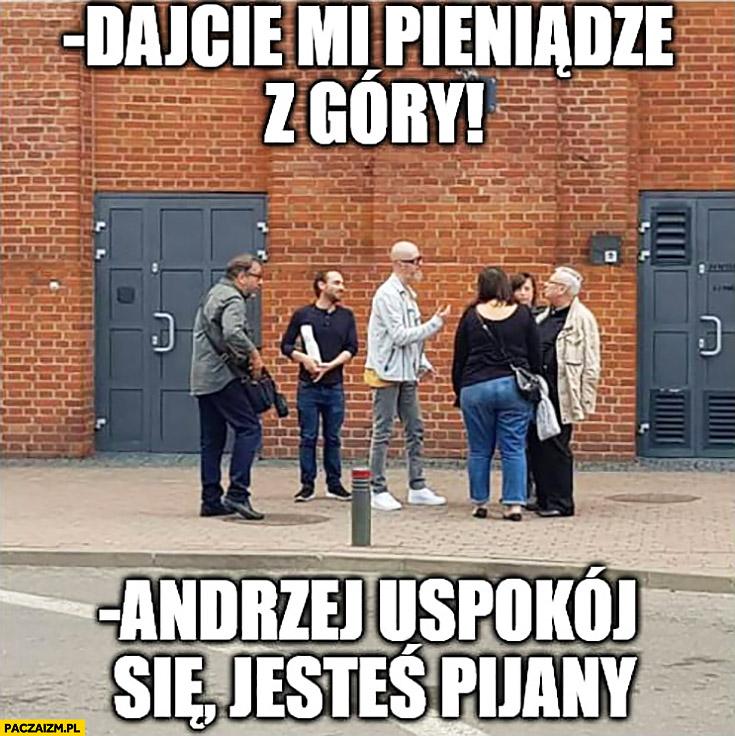 Sapkowski: dajcie mi pieniądze z góry, Andrzej uspokój się jesteś pijany