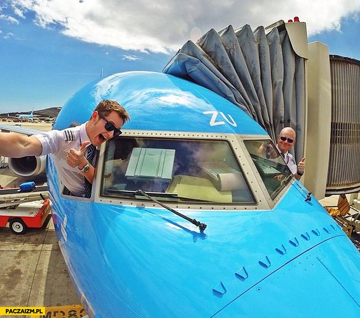 Selfie piloci z samolotu