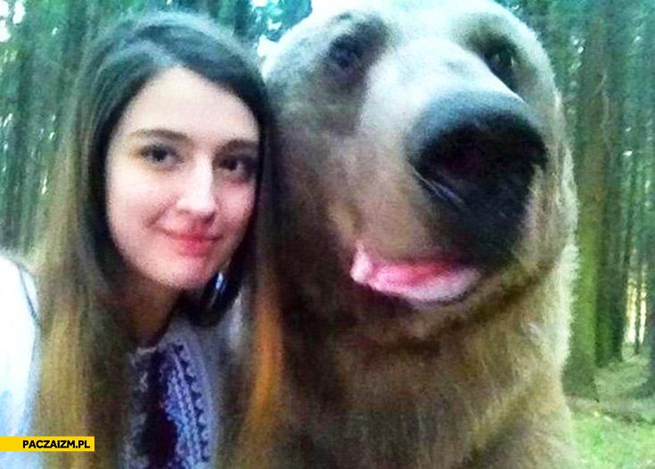 Selfie z niedźwiedziem w Rosji