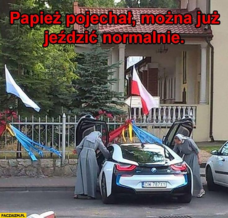 Siostry zakonne BMW i8 papież pojechał można już jeździć normalnie