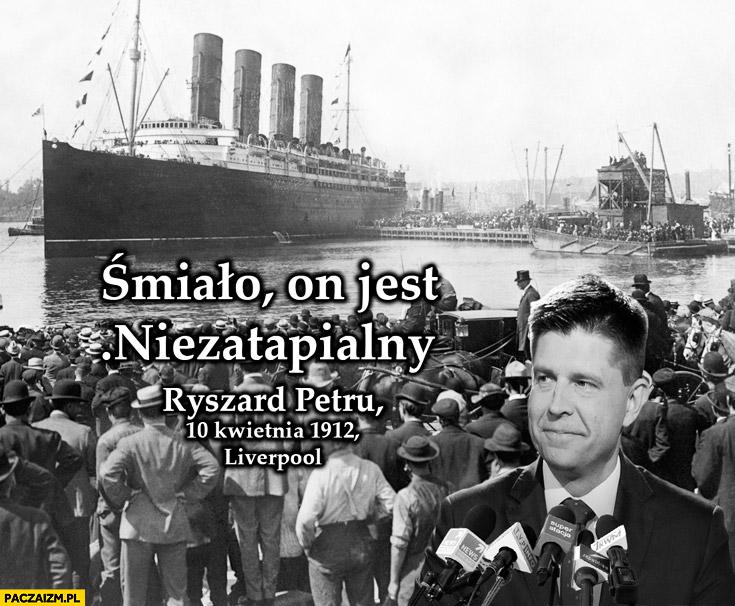 Śmiało on jest niezatapialny Titanic Petru Cenzopetru