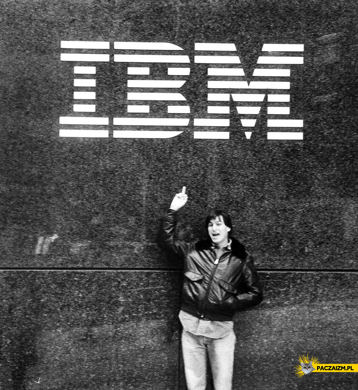 Steve Jobs pokazuje fuck IBM