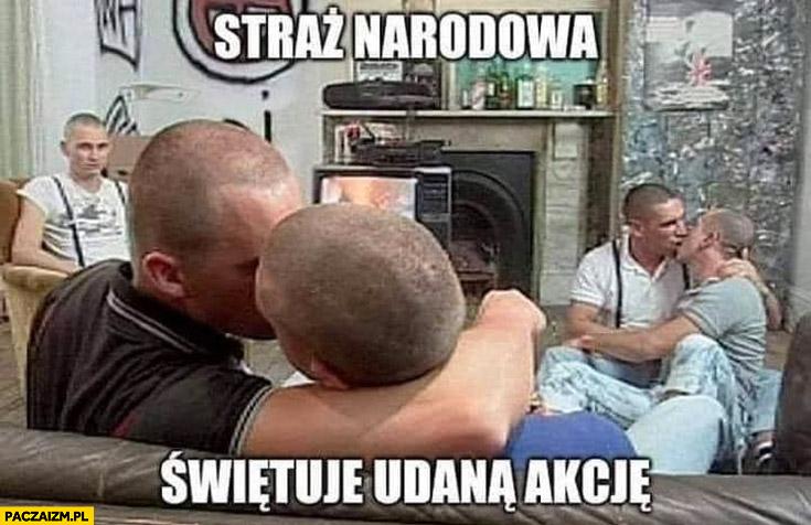 Straż narodowa świętuje udaną akcją faceci się całują