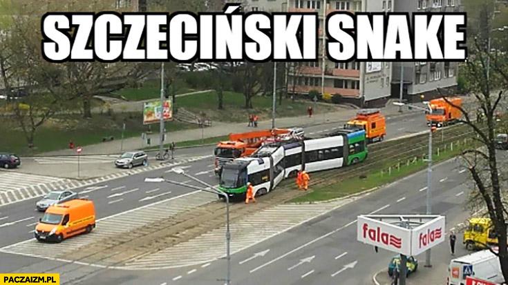 Szczeciński snake wykolejony tramwaj