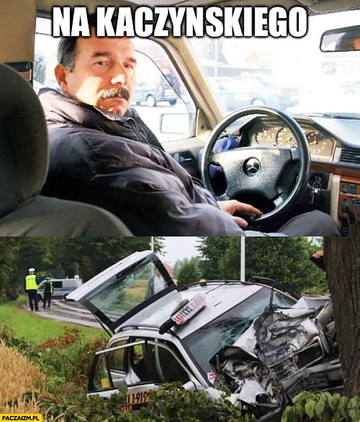 Taksówkarz taxi na Kaczyńskiego wypadek zderzenie z drzewem brzoza