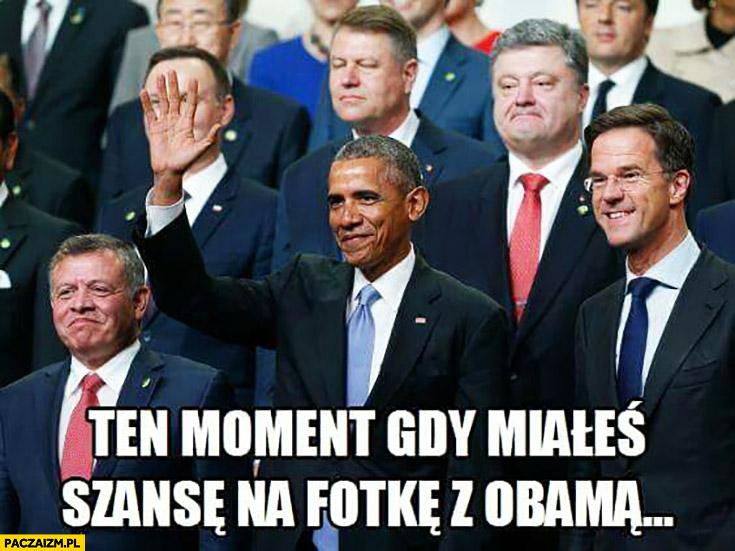 Ten moment gdy miałeś szansę na fotkę z Obama zasłonił twarz Dudy ręką Duda