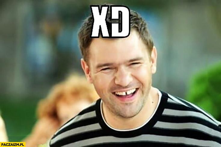 Tomasz Karolak XD przerwa miedzy zębami diastema