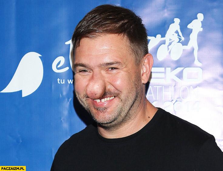 Tomasz Karolak z wielkim nosem typowy Polak nosacz przeróbka
