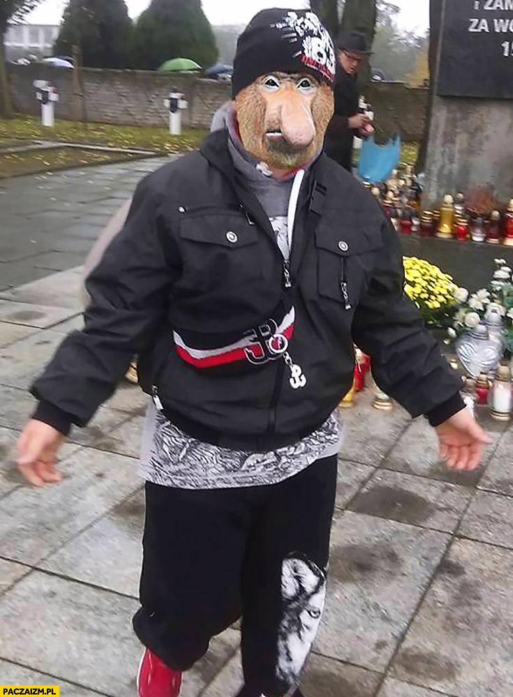 Typowy patriota Polak nosacz małpa odzież patriotyczna