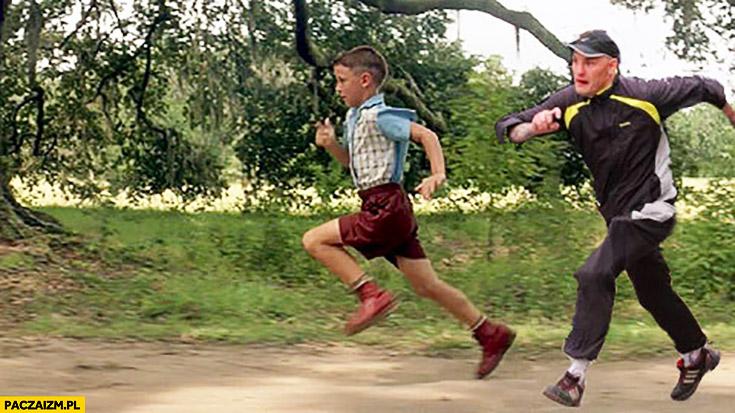 Typowy Seba ucieka przed policją Forrest Gump