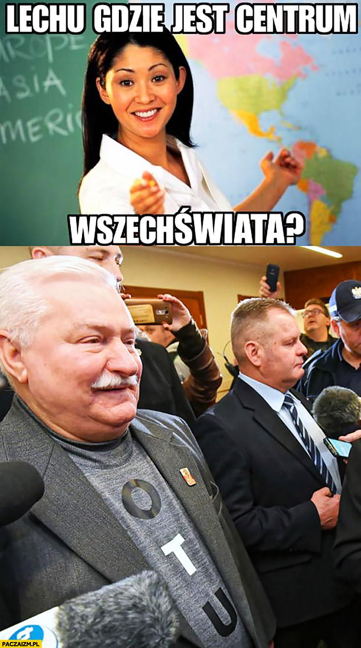Wałęsa Lechu gdzie jest centrum wszechświata? Otu o tu napisane na koszulce konstytucja