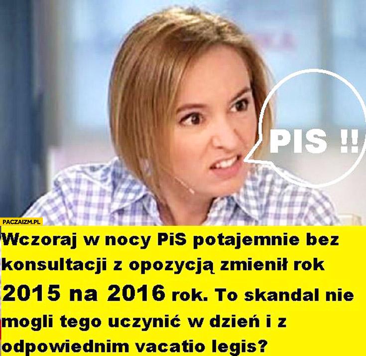 Wczoraj PiS potajemnie zmienił rok z 2015 na 2016 skandal