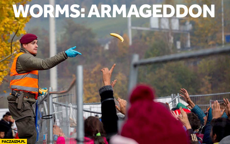 Worms Armageddon żołnierz rzuca banana