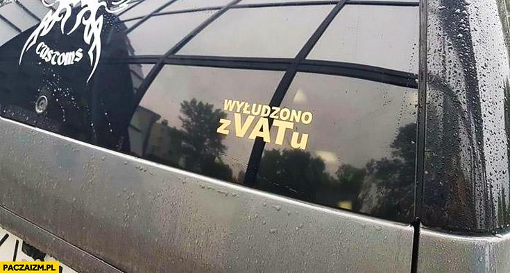 Wyłudzono z VATu naklejka na samochodzie
