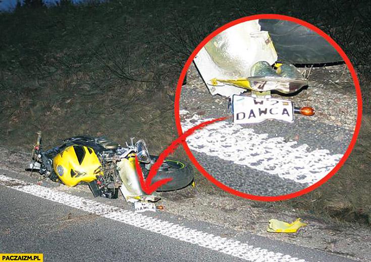 Wypadek rozbity motocykl motor W2 DAWCA rejestracja tablice rejestracyjne fail