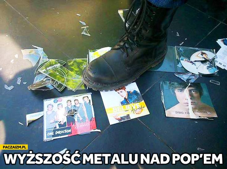 Wyższość metalu nad pop'em
