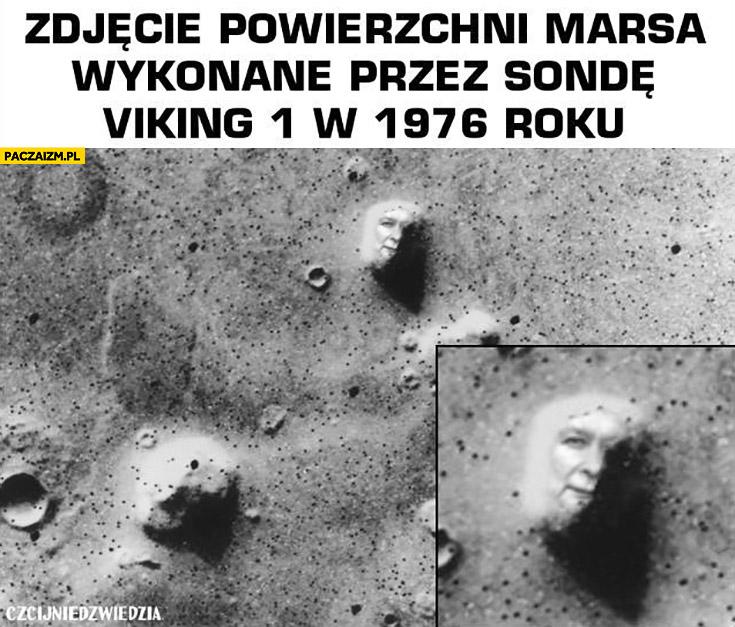 Zdjęcie powierzchni Marsa wykonane przez sondę Viking 1 w 1976 roku twarz Kaczyńskiego